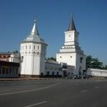 Угрешский монастырь -белая стена