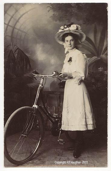 Фотография Леди и велосипед