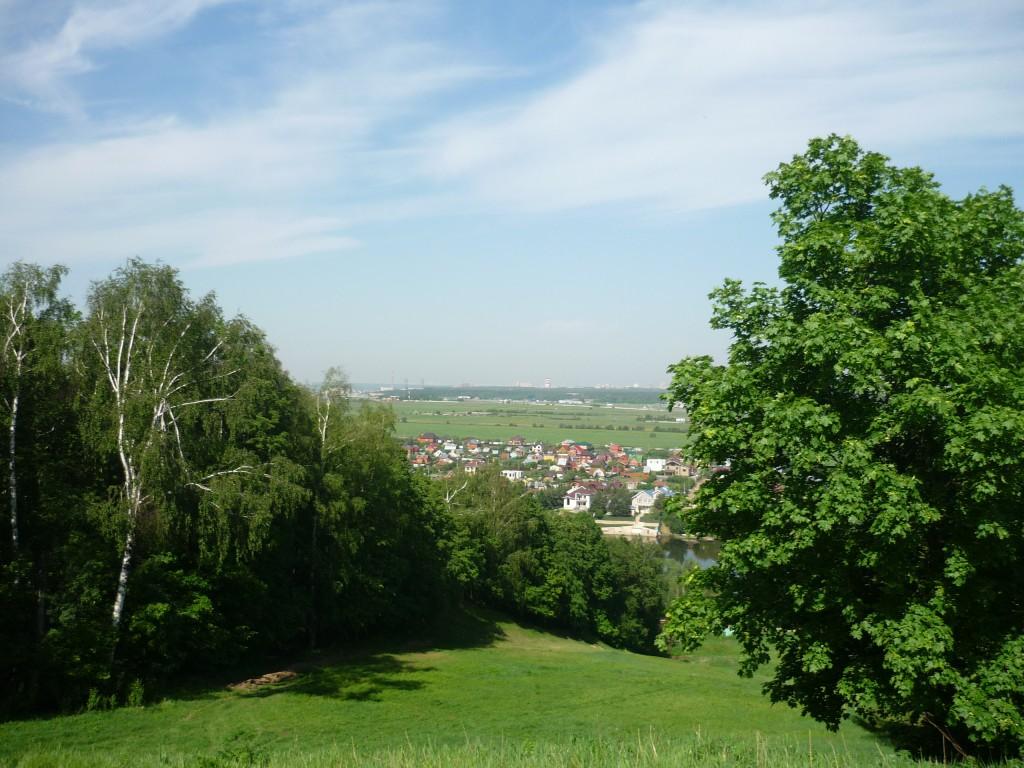 Вид с Боровского кургана. На горизонте Лыткарино