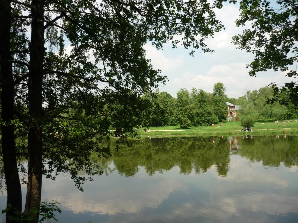 На территории усадьбы в Кузьминках. Озеро