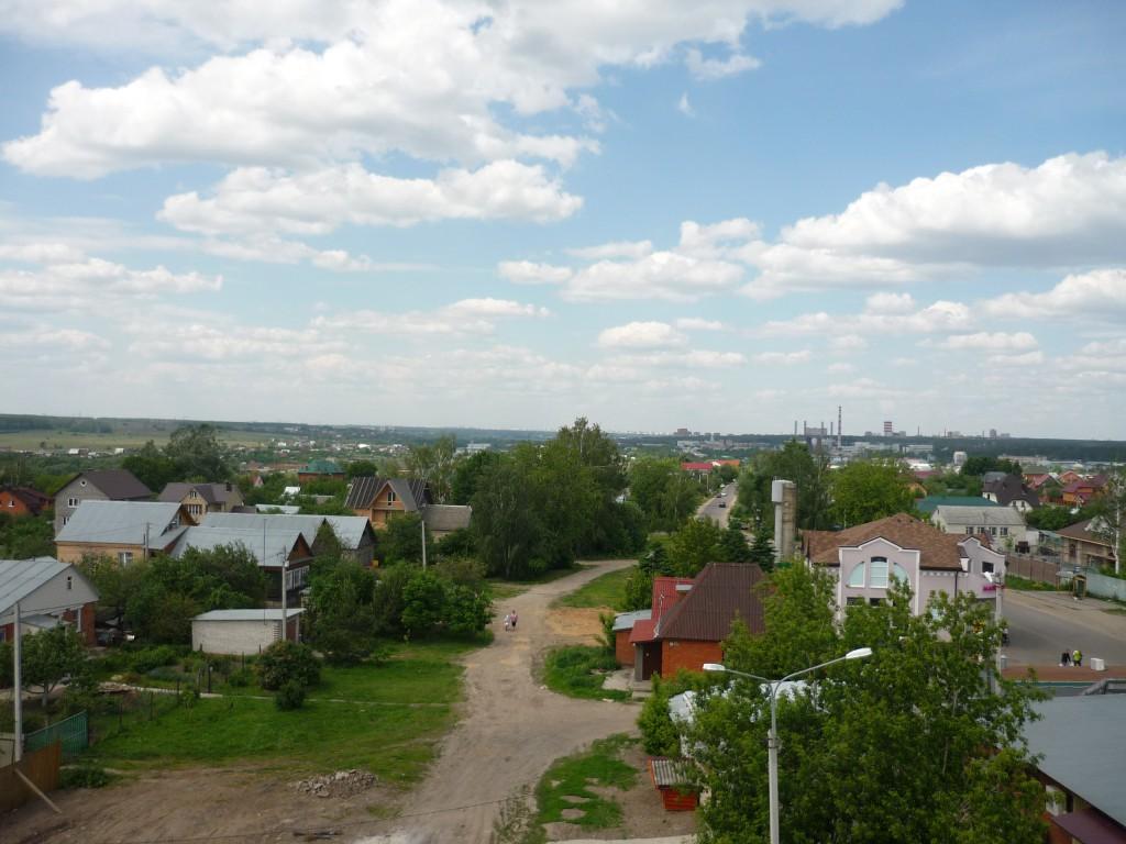 Вид на север с колокольни церкви в Верхнем Мячково