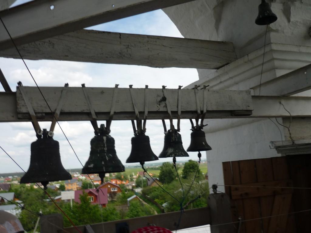 На колокольне церкви в Верхнем Мячково