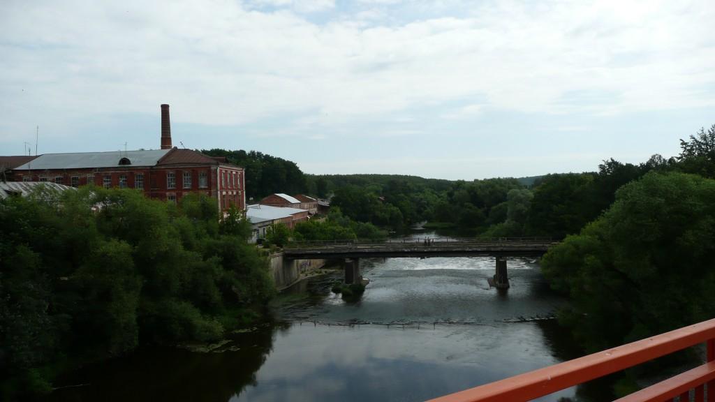 Володарский. На мосту. Вид на старый мост