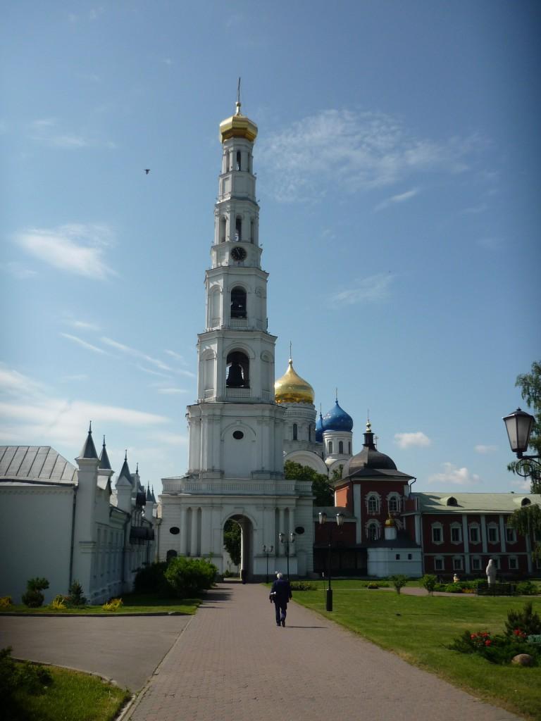 На территории Николо-Угрешского монастыря