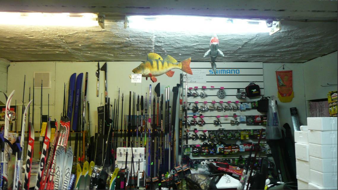 Магазин на Первомайской. Акула и окунь