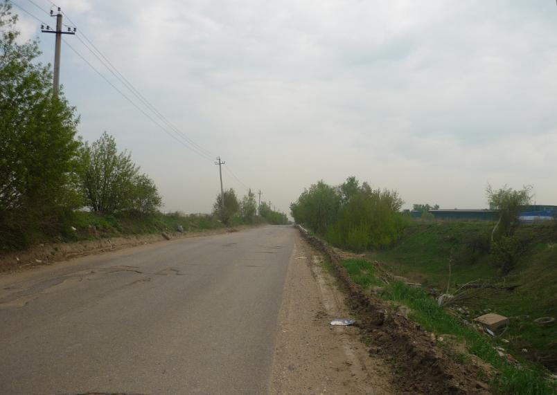 Нет машин на север на дороге в Машково