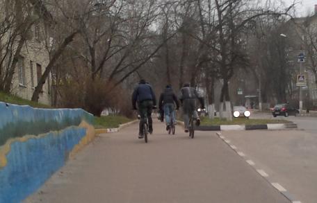 0098-0099-0100 велосипедисты
